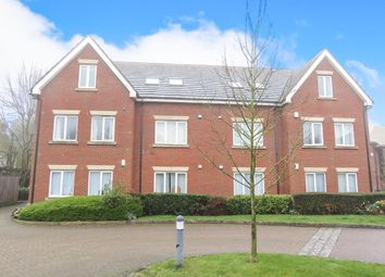 Thumbnail 2 bed flat for sale in Roundwood Lane, Harpenden