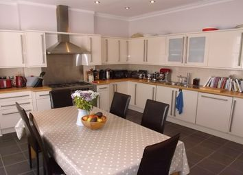 Thumbnail 3 bed flat to rent in Beulah Road, Tunbridge Wells