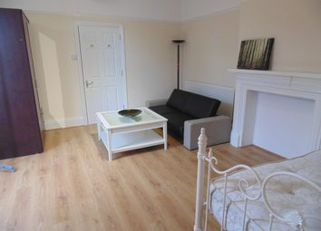 Thumbnail Room to rent in Victoria Road, Wellingborough, Northamptonshire