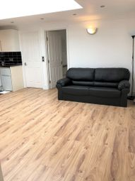 Thumbnail 2 bedroom flat to rent in London Street, Reading, Berkshire.