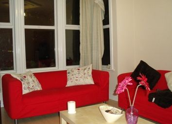 Thumbnail 4 bedroom flat to rent in Estcourt Terrace, Headingley, Leeds