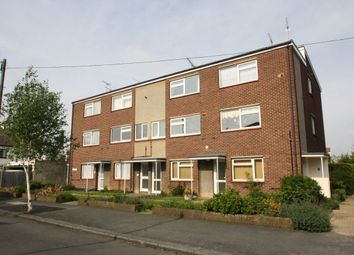 Thumbnail 2 bed flat to rent in Salisbury Road, Leigh-On-Sea