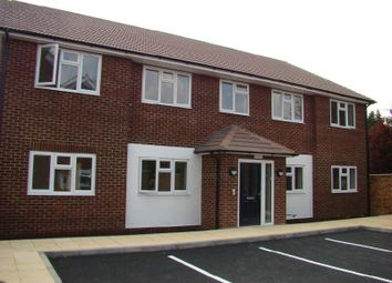 2 bed maisonette to rent in Fairey Avenue, Hayes, Middlesex UB3