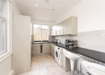 2 bed maisonette to rent in Acton Lane, Chiswick, London W4