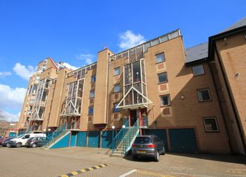 2 bed maisonette to rent in Asher Way, London E14