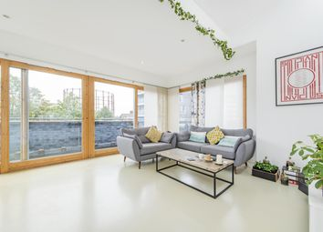 Thumbnail 2 bed flat to rent in Minerva Street, London
