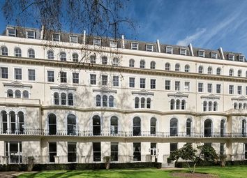 Thumbnail 1 bed property to rent in Kensington Gardens Square, London