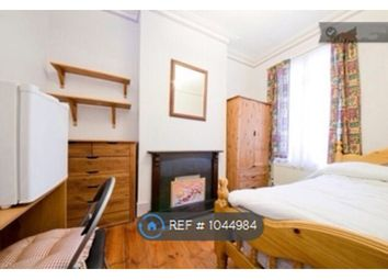Room to rent in Hawstead Road, London SE6