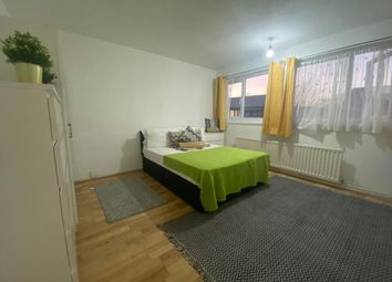 Thumbnail Room to rent in Chesnut Road, London