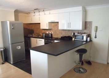 Thumbnail 1 bed flat to rent in Kingfisher Way, Bicester