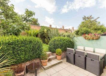 2 bed flat for sale in Hermitage Road, London N4