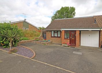 Thumbnail 2 bed property for sale in Penlands Vale, Steyning