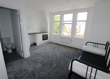 Thumbnail Studio to rent in Queens Parade, Green Lanes, London