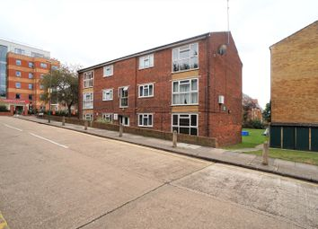 2 bed property to rent in Etfield Grove, Sidcup DA14