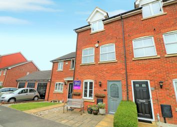 3 bed town house for sale in Oldfield Drive, Wouldham, Rochester ME1