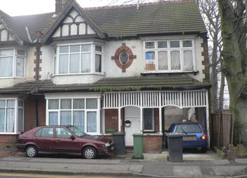 Thumbnail 1 bed flat to rent in Biscot Road, Biscot, Luton