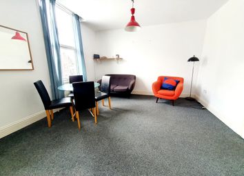 2 bed flat to rent in Graham Road, Hackney E8