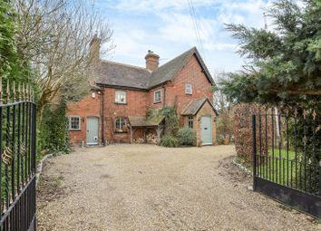 Thumbnail 2 bed cottage for sale in Beenham, Reading