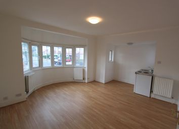 Thumbnail Studio to rent in Beaufort Gardens, London