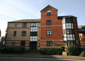 Thumbnail 2 bed flat to rent in Simmonds Street, Holybrook, Reading