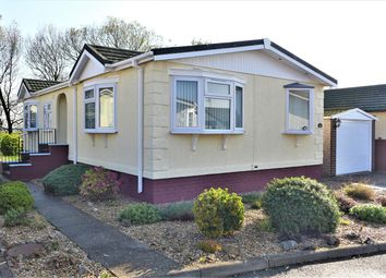 2 bed mobile/park home for sale in Marina View, Dogdyke, Lincoln LN4