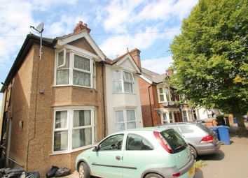 Thumbnail Room to rent in Priory Avenue, High Wycombe