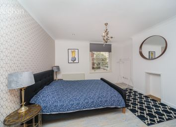 2 bed maisonette to rent in St James Street, Brighton BN2