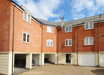 Thumbnail 2 bed flat to rent in Collingwood Road, Yeovil