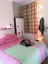 Thumbnail Room to rent in St Anns Hill, London