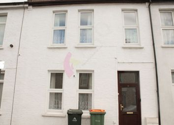 4 bed semi-detached house to rent in Curwen Avenue, London E7