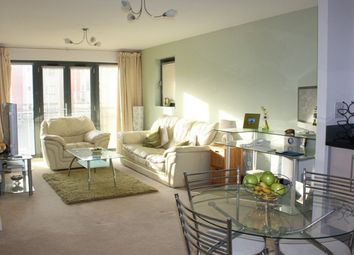 2 bed flat to rent in St Catherines Court, Marina, Swansea. SA1