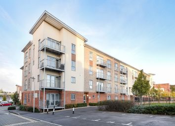 Thumbnail 2 bedroom flat for sale in Ashdown House, Battle Square, Reading