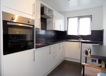 2 bed flat to rent in Staveley Court, Loughborough LE11