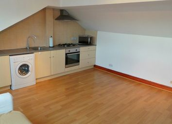 2 bed flat to rent in Lansdowne Road, Seven Kings IG3