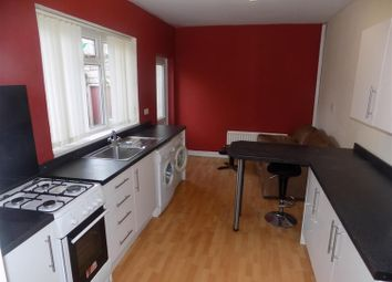 Thumbnail 4 bed shared accommodation to rent in Egmont Road, Middlesbrough