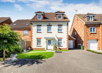 Thumbnail 6 bed property for sale in Farne Drive, Wickford