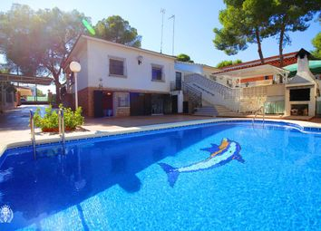 Thumbnail 4 bed chalet for sale in Calle Acebo 03191, Pilar De La Horadada, Alicante