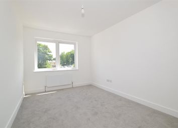 Old Road, Chatham, Kent ME4. 1 bed flat