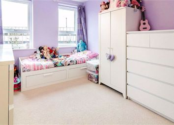 Lynham Walk, Pinner HA5. 1 bed flat