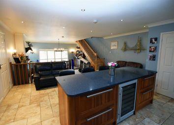 Thumbnail 6 bed detached house for sale in Mierscourt Road, Rainham, Gillingham