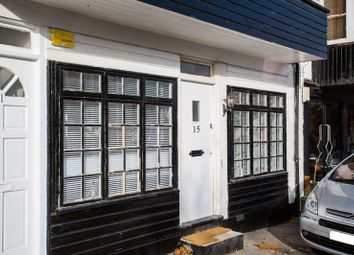 Thumbnail 1 bed flat to rent in Commercial Road, Westcliff-On-Sea