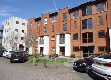 Thumbnail 3 bed maisonette to rent in Common Weath Drive, Crawley