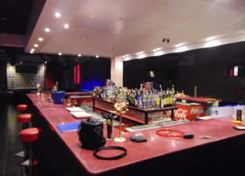 Thumbnail Pub/bar for sale in Fully Equipped Nightclub For Rent Or For Sale, Spain