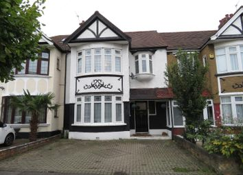 3 bed property for sale in Northwood Gardens, Ilford IG5