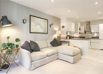 Trafalgar House, London SW18. 2 bed flat