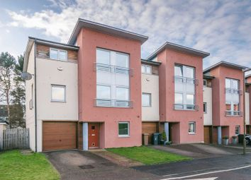 Thumbnail 4 bed town house for sale in 17 Pinegrove Gardens, Barnton, Edinburgh