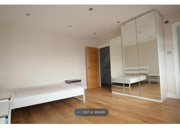 Room to rent in Rosemary Avenue, London N3