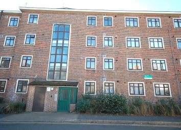 Thumbnail Flat for sale in Haden Court, Finsbury Park
