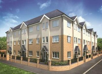 2 bed flat to rent in Harvest Court, Harvest End, Watford WD25