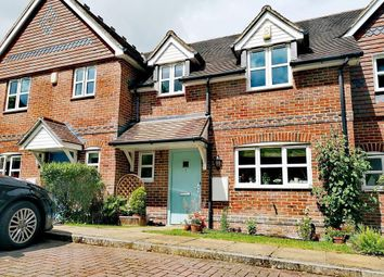 Thumbnail Terraced house for sale in Stonehouse, Lower Basildon, Reading